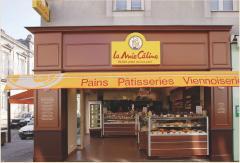 Lagence Dragon rouge a modernisé le concept de La Mie Câline en 2003, tout en conservant le côté ouvert sur la rue.