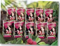 Les colorations Essential Colors comprennent 80 % d'ingrédients naturels, dont des extraits de thé blanc bio et de litchi.