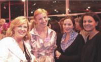 Delphine Cadoche et Sophie Romet (Dragon Rouge), Lauriane Van Lerberghe (Yoplait) et Anne-Caroline Vila (Dragon Rouge).