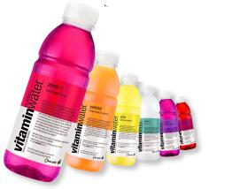 Glacéau Vitaminwater se décline en six parfums aux couleurs flashy.