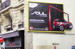 Pour Kia Motors, CBS Outdoor a déformaté des panneaux pour faire sortir du cadre une voiture en PVC.