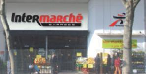 Intermarché Express cible une clientèle de centre-ville et mise en priorité sur les services.