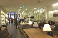 Trois boutiques en France proposent «Chocolates& Café», une nouvelle formule de dégustation de chocolats chauds, cafés et glaces au chocolat.