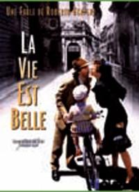 Le film de roberto Benigni montre comment un père de famille tente de cacher l'horreur de la guerre à son fils, en inventant un jeu.