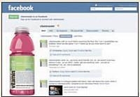 après avoir apposé le logo de Facebook sur sa bouteille et organisé un jeu-concours sur sa fan page, VitaminWater a gagné 400000 fans de mars à septembre 2009.