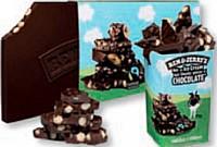 Le chocolat Ben & Jerry's est notamment vendu dans des pots de glace redesignés et en tablettes de 2,5 kg.