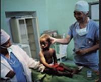 L'Opération Sourire vise à rendre un visage à ceux que la guerre, la maladie voire la faim ont défigurés.