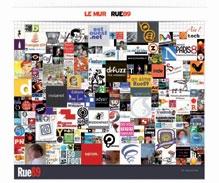Le site d'information et de débat participatif Rue89 invite ses lecteurs à acheter les briques d'un mur virtuel, pour un prix variant de 15 à 349 euros.