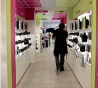 L'ouverture de nouveaux points de vente, tel celui de Boulogne-Billancourt, permet aux consommateurs de bénéficier de l'expertise des vendeurs.