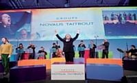 L'agence sensation! a proposé au groupe Novatis-Taitbout, lors de sa fusion, d'axer sa convention sur le thème du choeur mettant en scène l harmonie du collectif.