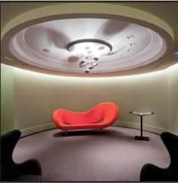 Avec son concept-store high-tech de 1 500 m2, Foncier Home bouleverse les codes de l'immobilier et de la banque.