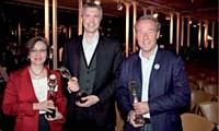 Au centre le 1er prix Frédéric Krebs (AlloCiné), à gauche 2e prix Pascale Dubouis (Philips France), à droite le 3e prix Christophe Chenut (Lacoste SA).