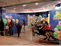 D'ici à 2012, JouéClub disposera en France de trois «Villages» de vastes espaces qui constituent une vitrine pour l'enseigne
