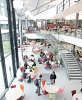 Les grandes écoles et l'université Paris-Dauphine arrivent en tête du classement établi par les entreprises.