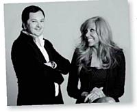Raphaël Aflalo, de l'agence My Love Affair, et le couple Guetta font la promotion de la Twiggy.