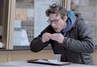 Air Food Projet, une campagne choc signée Havas Paris, pour sauver le Plan d'Aide Alimentaire Européen (PEAD), menacé de disparaître fin 2013. Dans un an, 18 millions d'Européens pourraient faire «semblant de manger».