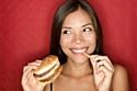 """L'assiette des hypermobiles : """"junk food"""", grignotage et produits frais"""