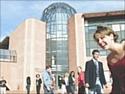 """Des étudiants de l'ESC Pau participent au Business Game """"Les Coéquipiers"""" avec Décathlon"""