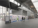 """Les """"shopping walls"""" se développent dans les gares"""