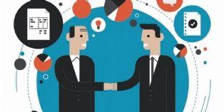 3 start-up et grandes entreprises travaillant main dans la main