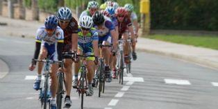 Tour de France : remise des troph�es par le directeur achats de Skoda