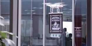 [Id�e d'ailleurs] Un fast-food russe fait sa publicit� par drone