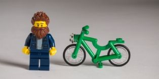 Lego et les hipsters, stars de la fashion week