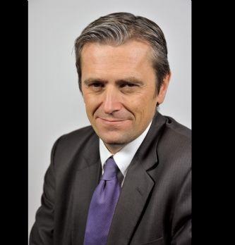 """[#MarketingA20ans] Jean Prevost, Axa Banque: """"Les banquiers doivent devenir des champions du service"""""""
