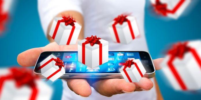 Noël 2016 : les Français dépenseront 13,5 milliards d'euros sur le Web