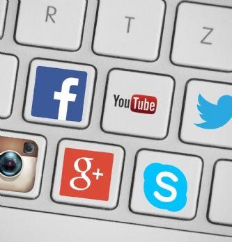 """4 """"bonnes"""" questions pour performer sur les réseaux sociaux"""