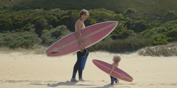 Les bébés Evian se mettent au surf