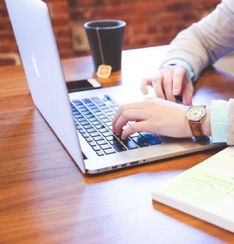 Marketing : Réseaux sociaux et entreprise : comment développer sa présence ?