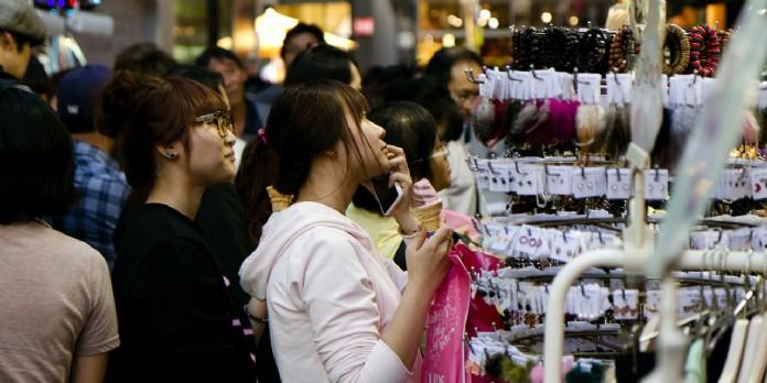 La génération Z préfère faire ses achats en magasin