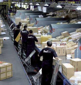 FedEx traite 400 millions de colis dans le monde en décembre