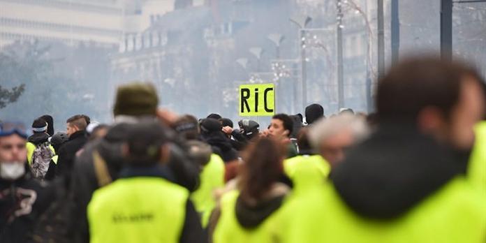 ' Gilets jaunes ' : l'urgence démocratique commence par le bas