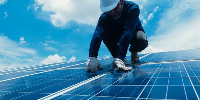 Et si les artisans s'emparaient du photovoltaïque ?