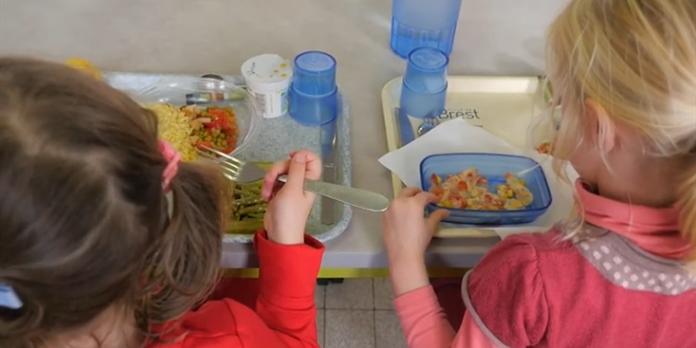 Brest propose des assiettes bio à ses écoliers