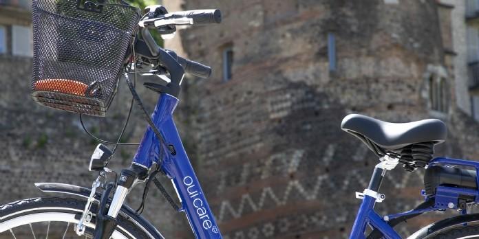 Le groupe Oui Care roule à vélo