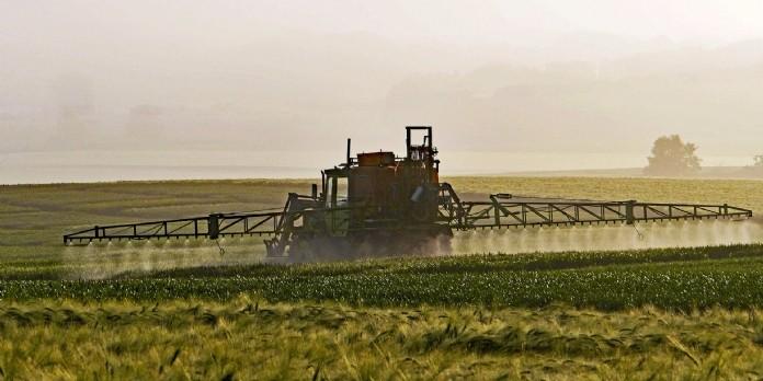 Solagro propose deux outils pour diminuer l'utilisation des pesticides