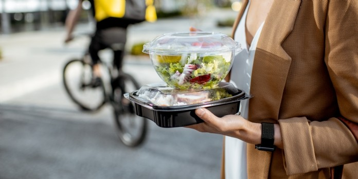Options Solutions réduit les déchets de la restauration rapide