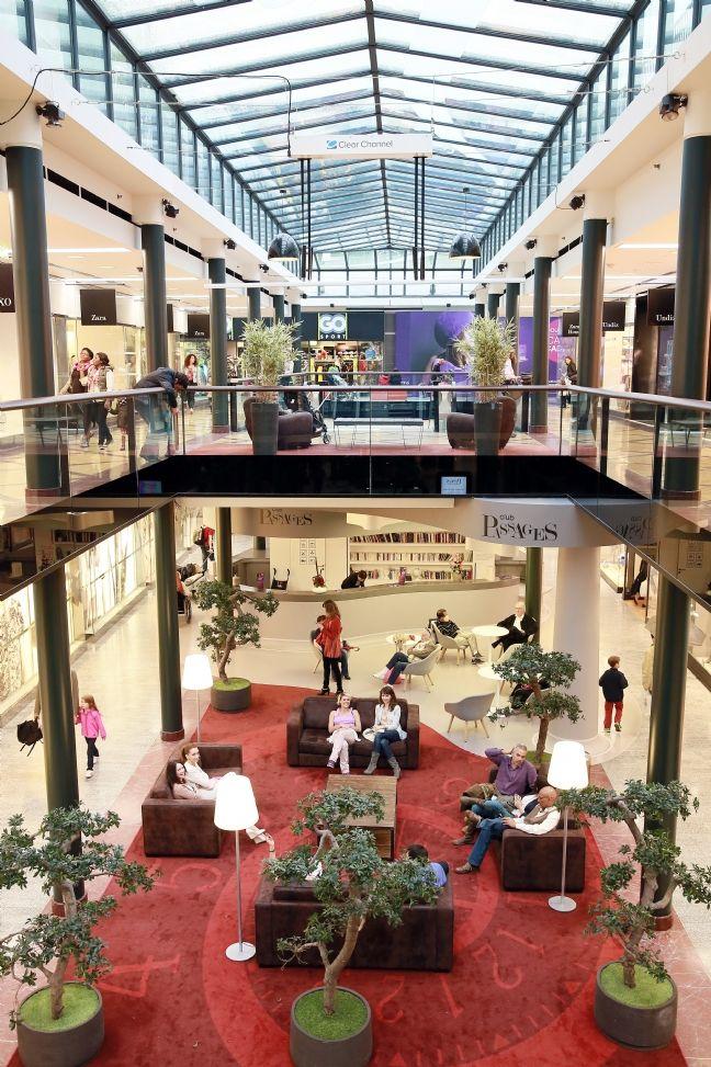 kl pierre relooke le centre commercial les passages. Black Bedroom Furniture Sets. Home Design Ideas