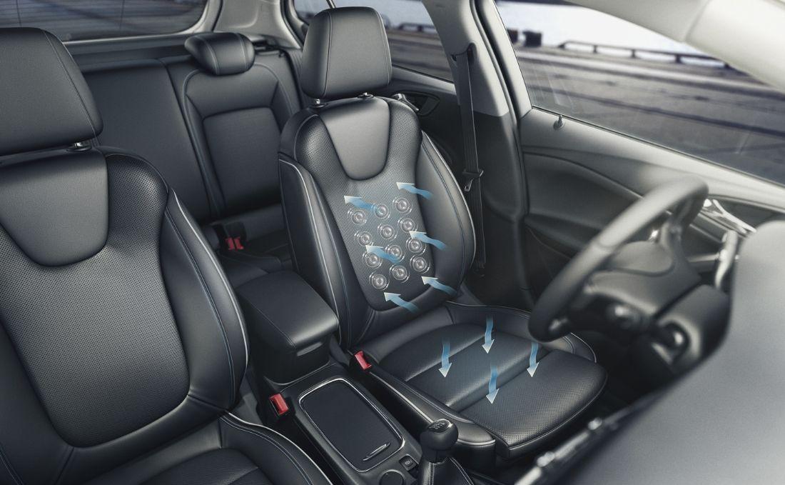 Sièges massants, chauffants et ventilés de l'Opel Astra.