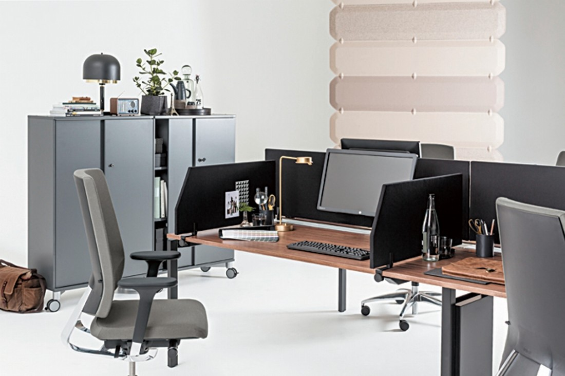 mobilier de bureau 8 innovations qui am liorent la qualit de vie au travail. Black Bedroom Furniture Sets. Home Design Ideas