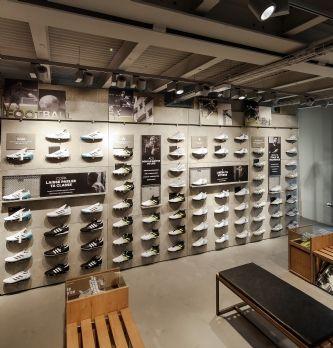 Adidas ouvre son premier magasin au monde dédié au foot