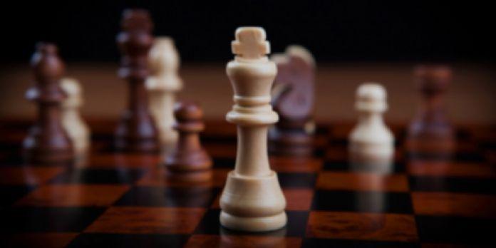 Politique, stratégie et tactique