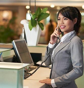 Quelles sont les tâches d'une hôtesse d'accueil ?