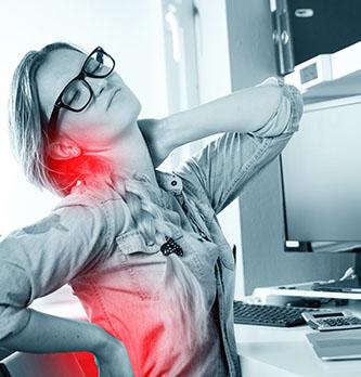 Mal de dos au travail : aidez vos salariés !