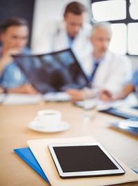 Couverture livre blanc Salesforce pour les startups et pme en vidéo
