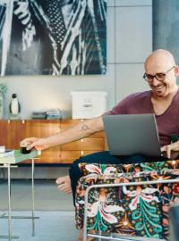 Couverture livre blanc Comment transformer Microsoft Teams en outil de communication centralisé.