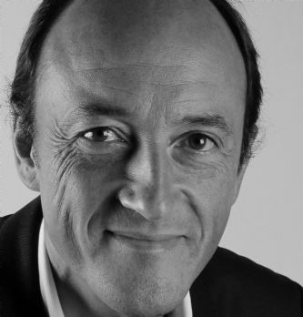 Stefan Dembinski est nommé director of retail development for fragrances and cosmetics brands de LVMH